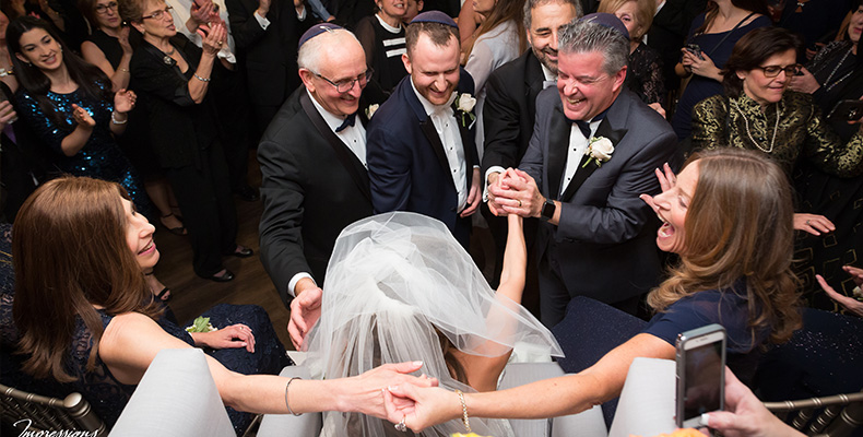 glatt-kosher-wedding-reception-bride-presentation-groom