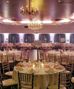 Grand Ballroom Wedding Venue With Bar And Tables